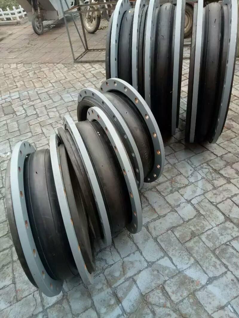 耐磨橡胶软连接、河北橡胶软连接厂家值得信赖。品质保障-- 河北弘创橡塑科技有限公司