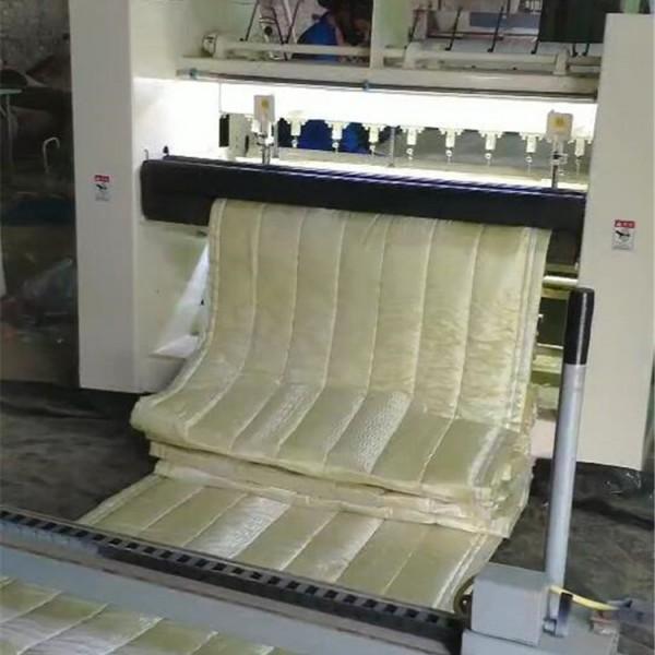 防火岩棉被-- 岩棉被生产厂家